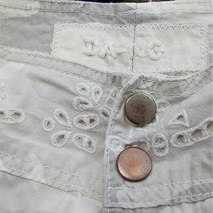 Da-Nang Camo Cargo Bermuda Shorts with Lace Detail